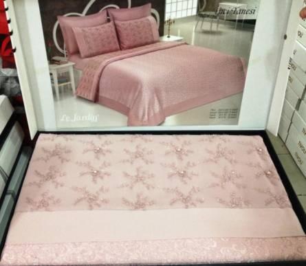 Фото  товара Постельный комплект из гобелена и VIP-сатина.